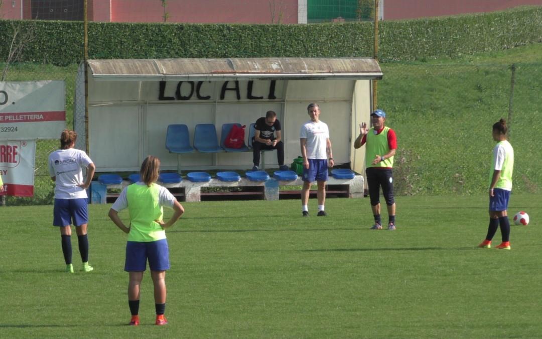 Rifinitura al Club Azzurri, leonesse pronte alla riscossa contro l'Ajax