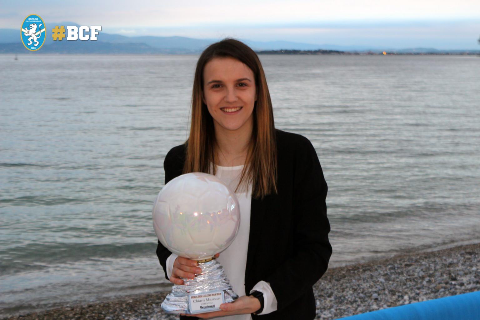 """La """"Perla del Calcio"""" parla ancora biancoblu: trionfa Chiara Massussi"""