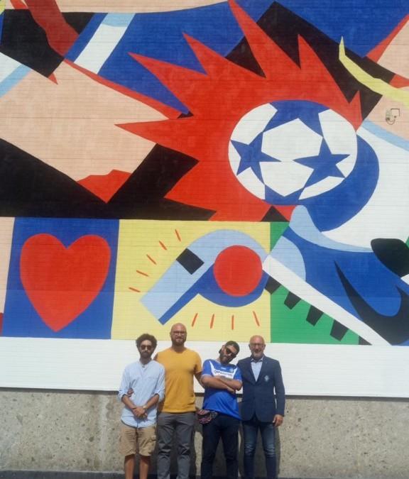 Murales di via Gheda a Brescia: il BCF regala una maglia a Saddo